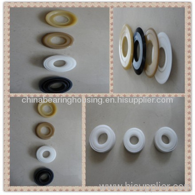 Conveyor roller bearing housing