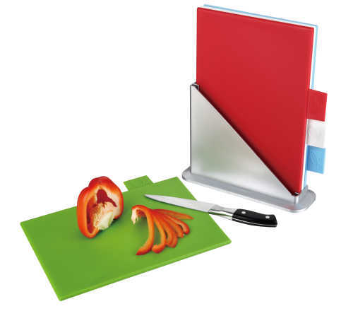 clean plastic chopping boards