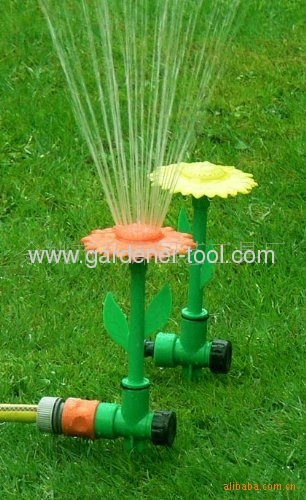 Daisy Flower Sprinkler With 2 color at the head
