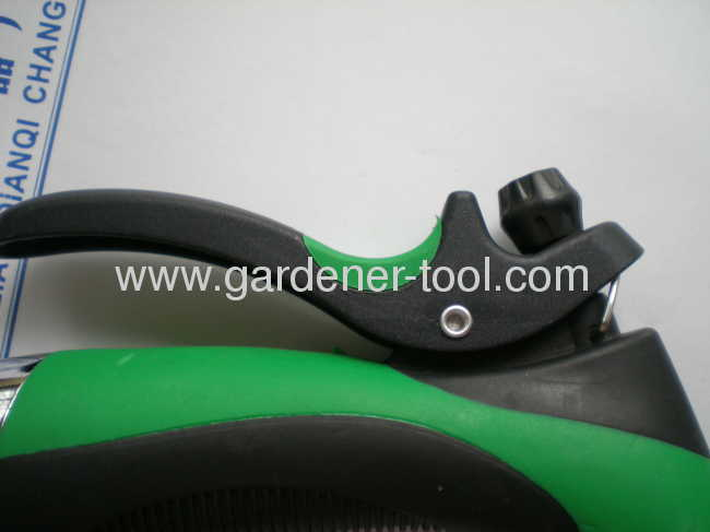 zinc 2-way garden water hose nozzle with 2 different color on hand and trigger