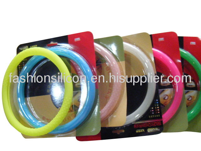 Beautiful silicone steering wheel cover