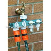 Plastic Four Channel Water Distributor As 4-Way Garden Hose Tap