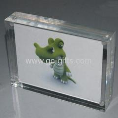 5R acrylic photo frames with magnets