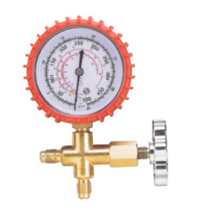 Manifold gauge set refrigeration