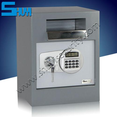Key Lock Large Office Safe Deposit Box And Bank Vault