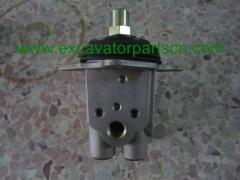 ZX330 REMOVE CONTROL VALVE