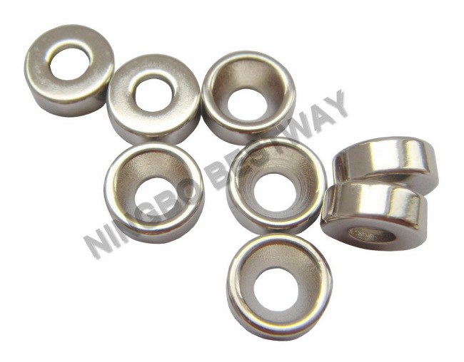 N45 D3/8in.x1/8in.Ring NdFeB Countersunk Magnet W/ #4 /Ni