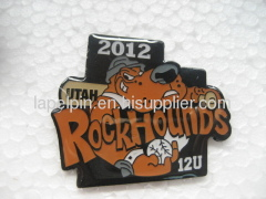 school lapel pins supplier