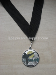 Metal medallion laple pin