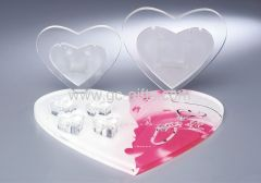 Sweet heart-shape countertop showcases for wedding rings