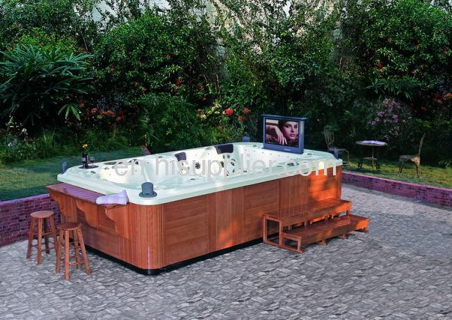 hot tub whirpool outdoor