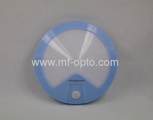 Battery oprated round motion sensor light bulb