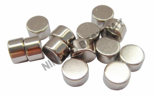 Permanent Cylinder NeodymiumMagnet Ni Coating