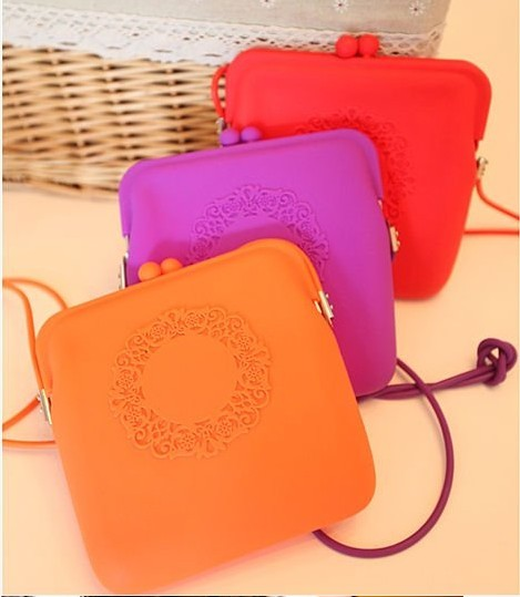 2013 hot selling fashion silicon coin bank bag