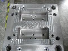 Injection molding for plastic boxes