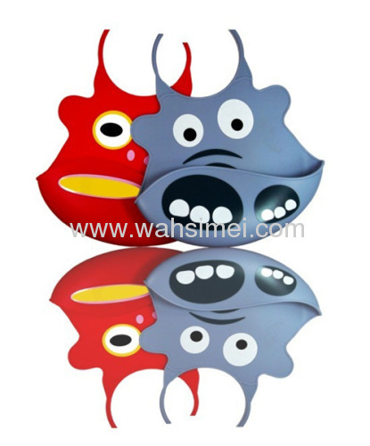 A large of newest waterproof silicone baby bibs