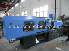 Variable pump plastic injection molding machine