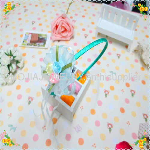 Cloth hairband with flower