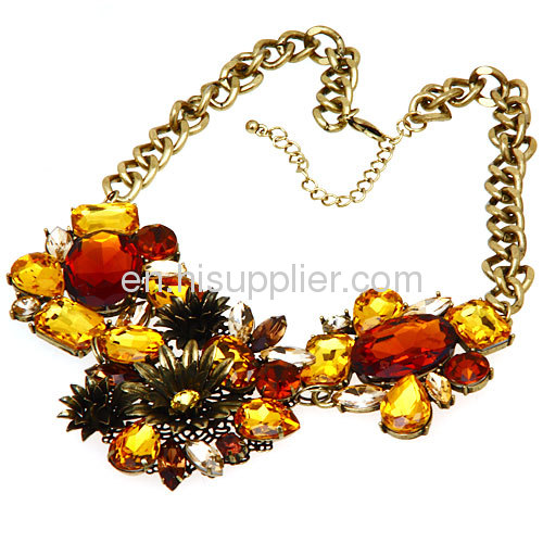 Wholesale Fashionable Costume Jewelry Big Crystal Stone Women Accessories Flower Collar Necklace