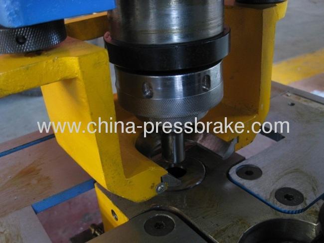 dual cylinder hydraulic iron worker