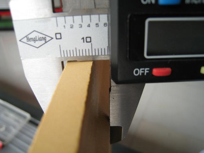 Tactile warning tile with dot design