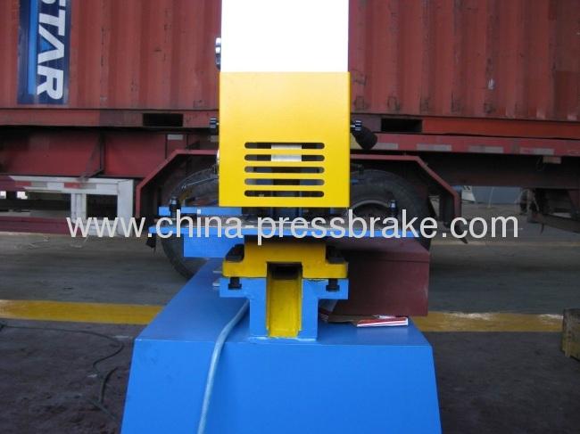 hydraulic iron- worke machine