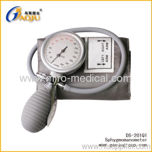 how to take blood pressure manually