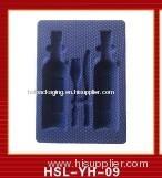 Plastic blister tray for wine bottle