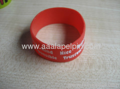 hot selling fashion imprinted silicone wristbands