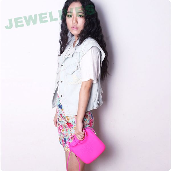 Beautiful Silicone Cosmetic Saddle bag with embossedheart design
