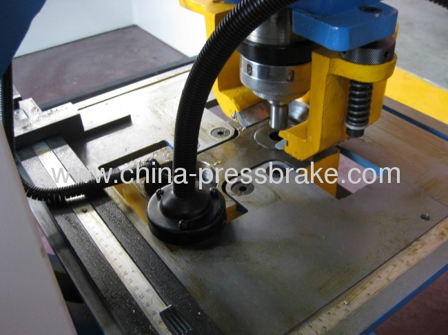 bending and cutting steelworker machine