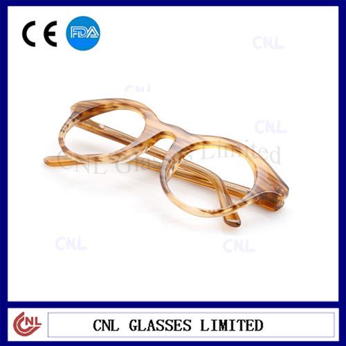 classic wayfarer glasses  classictortoise