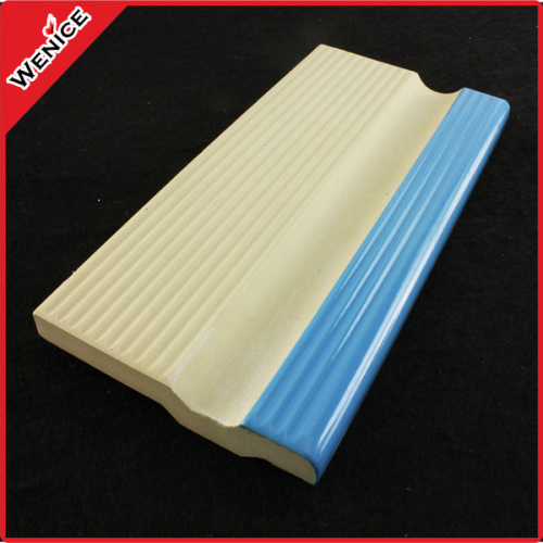 Grip tile for swimming pool