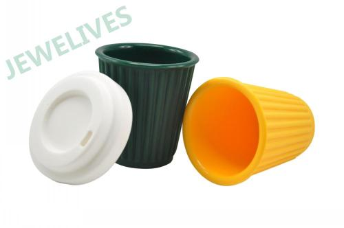 Silicone & Rubber milk mug with lid