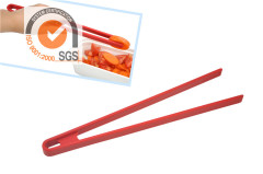 100% Food Grade Silicone Kitchen Tools Food Tong in Red