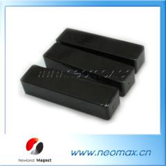 Ferrite block cow magnet