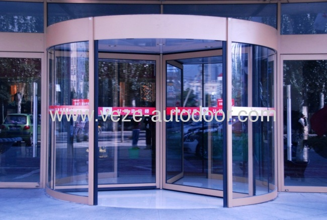 3 wing automatic revolving doors with showcase