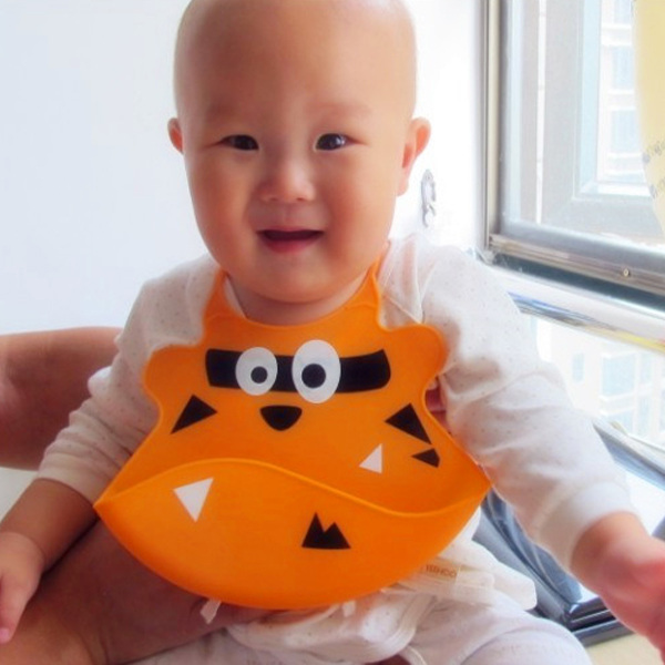 Fashionable soft Silicone Bibs with crumb catcher for Baby bib
