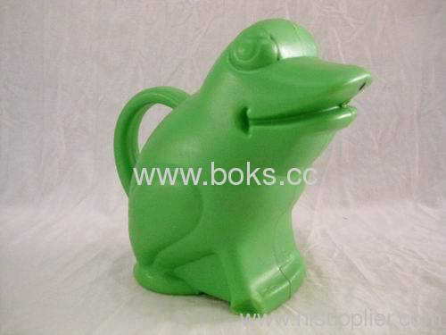 2013 plastic frog watering can