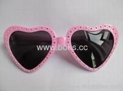 2013 cheap new design disposable plastic glasses