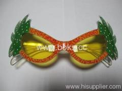 2013 yellow cheap plastic party glasses