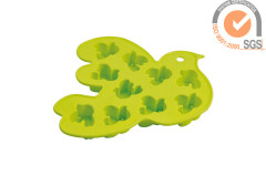 Soft Silicone bird shape Ice cube tray in brigh green