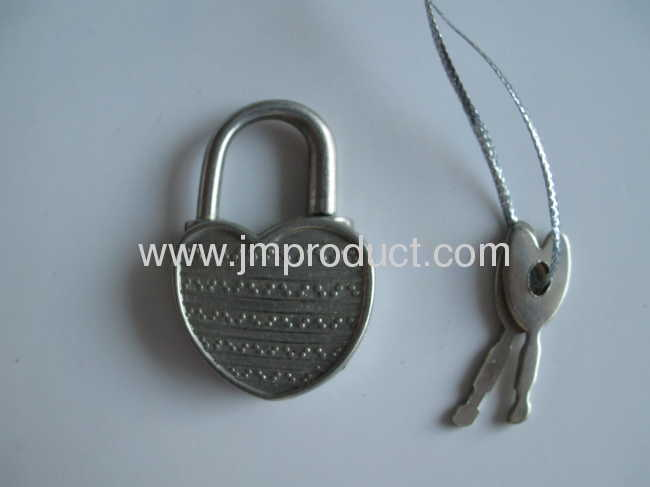 Hello Kitty hardcover with lock