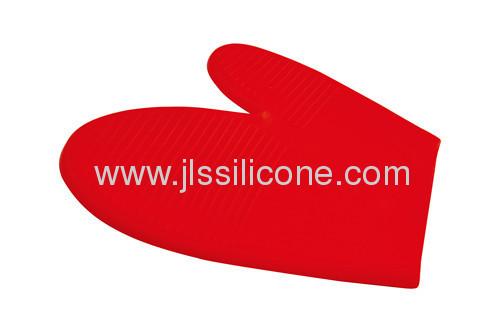 Red silicone bakeware oven mitt glove