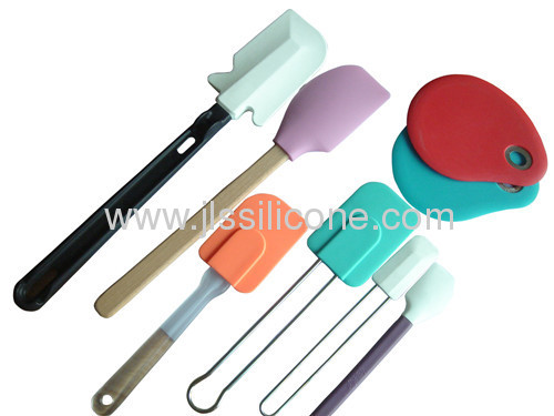 Middle sized silicone kitchen tools spatulawith plastic handle