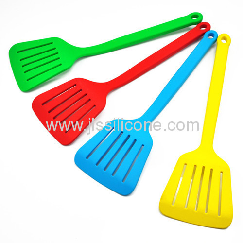 Hot sale kitchen tools silicone spatula with slot