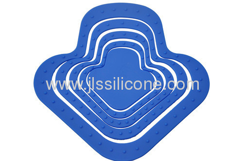 Arrow shaped kitchen tools silicone cup and pot mat