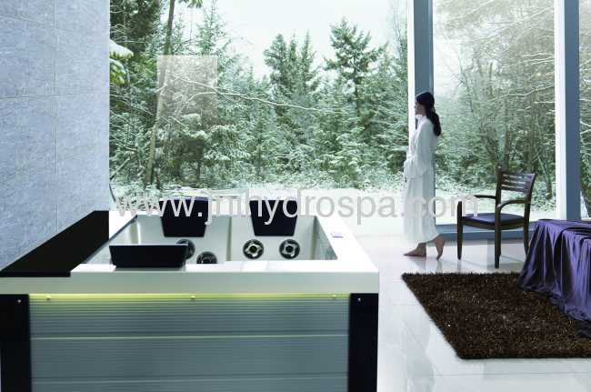 Massage whirpool hot tub outdoor