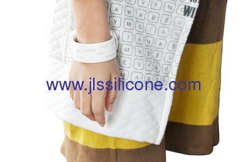 Silicone prommotion gifts silicone slap bracelet
