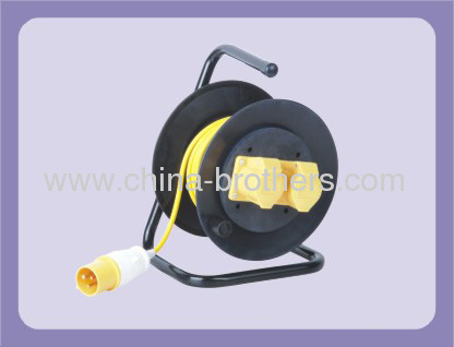 INDUSTRIAL 3-WIRE CABLE REEL WITH 3 OUTLET FOR 20-30 METER